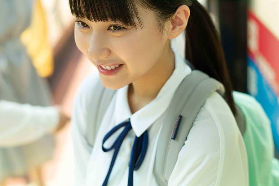 20歳の誕生日に念願の写真集を発売する「HKT48」田中美久【撮影:細居幸次郎】