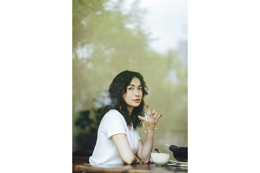 """長谷川京子、エッセー本を発売へ """"母としての素顔""""垣間見える1冊に「共有できれば」"""