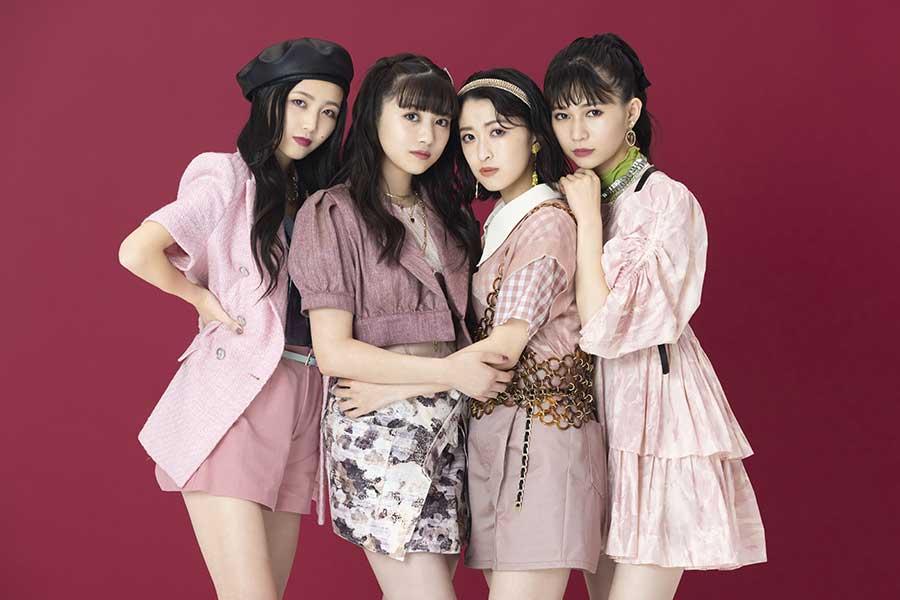 新曲「ストロベリーフロート」のジャケット写真を公開した東京女子流
