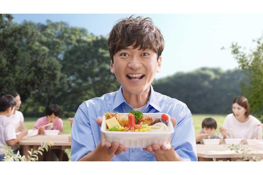 「丸亀製麺」のテレビCMに出演した国分太一