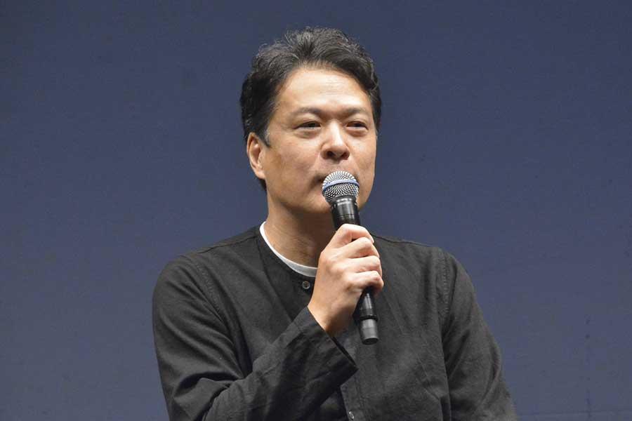 主演舞台「近松心中物語」の製作発表記者会見に出席した田中哲司【写真:ENCOUNT編集部】