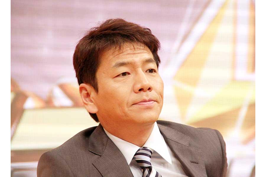 くりぃむしちゅー上田晋也、新型コロナ感染 所属事務所が発表、体調は安定