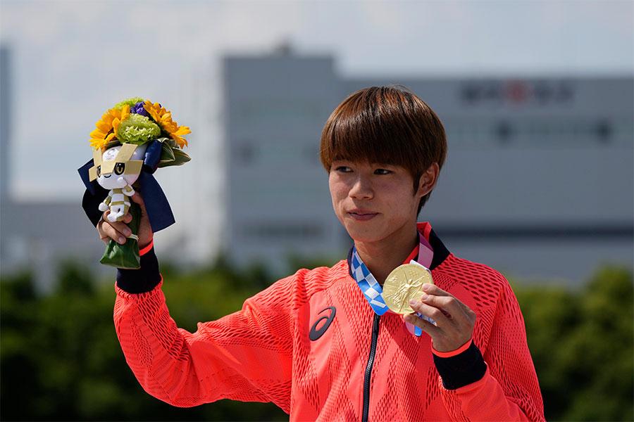 東京五輪スケートボード・ストリート男子で金メダルを獲得した堀米雄斗【写真:AP】