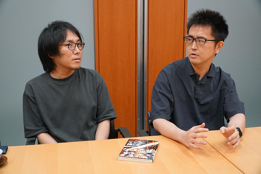 「週刊少年ジャンプ」グループの極意について語る籾山悠太氏(左)と齊藤優氏(※撮影時だけマスクを外しています)【写真:ENCOUNT編集部】