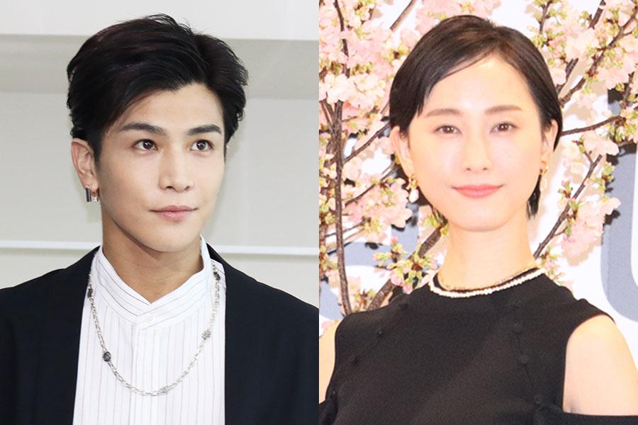 岩田剛典、松井玲奈との撮影オフショットにファン「ステキなお二人」「かっこいい、、」