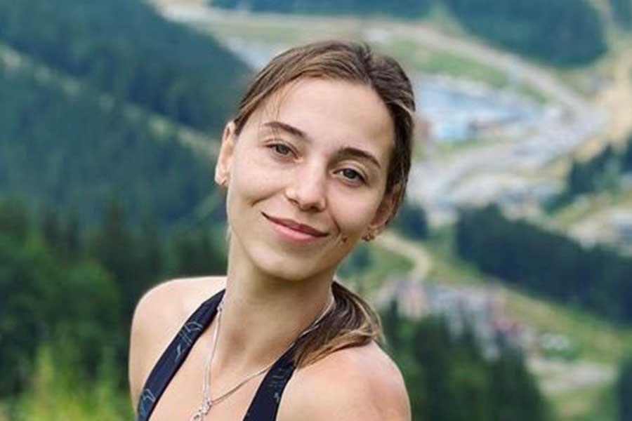 東京五輪アーティスティックスイミング・ウクライナ代表のエリザベータ・ヤフノ【写真:インスタグラム(@yakhnoliza)より】
