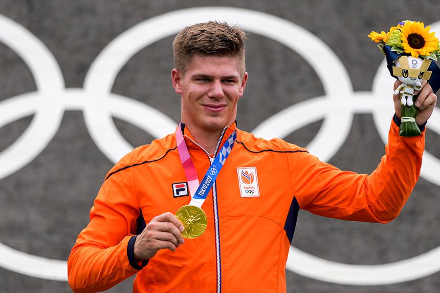 東京五輪・自転車BMXレーシングで金メダルを獲得したオランダ代表のニク・キムマン【写真:AP】