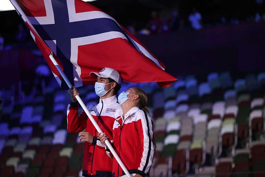 東京五輪開会式でのノルウェー選手団【写真:AP】