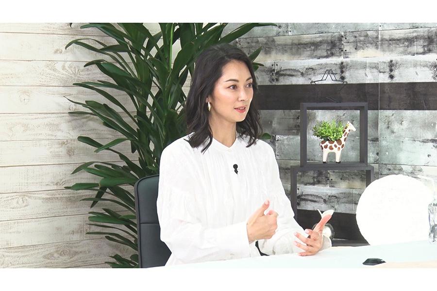 伊東美咲、12年ぶりTV出演【写真:(C)フジテレビ】