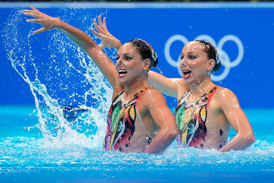 イタリア代表のリンダ・チェルティとコスタンツァ・フェロ【写真:AP】
