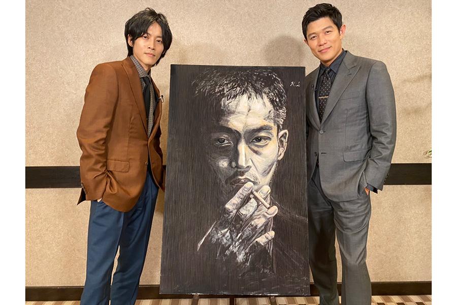鈴木亮平作の肖像画がポストカードに! 「孤狼の血 LEVEL2」入場者特典が決定
