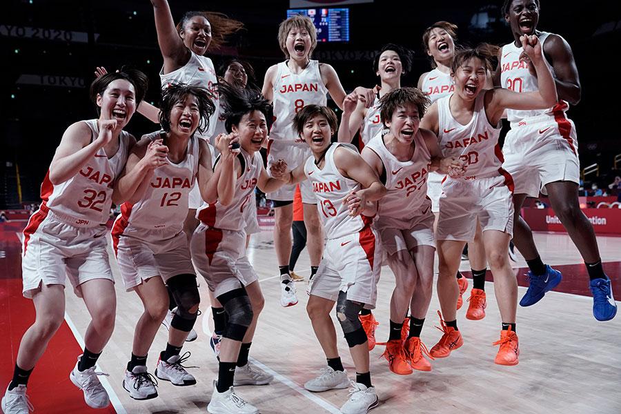 史上初の決勝進出を決めた日本【写真:AP】