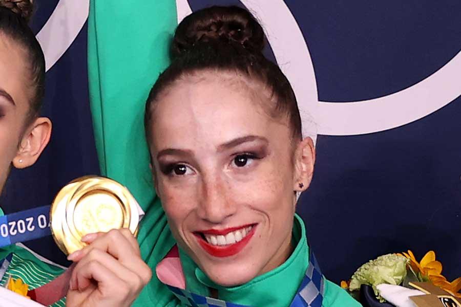 東京五輪・新体操で金メダルを獲得したブルガリア代表シモナ・ジャンコバ【写真:Getty Images】