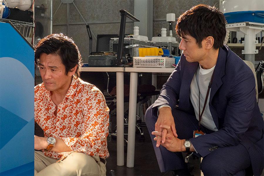 共演シーンについて語った内野聖陽(左)と西島秀俊【写真:(C)NHK】