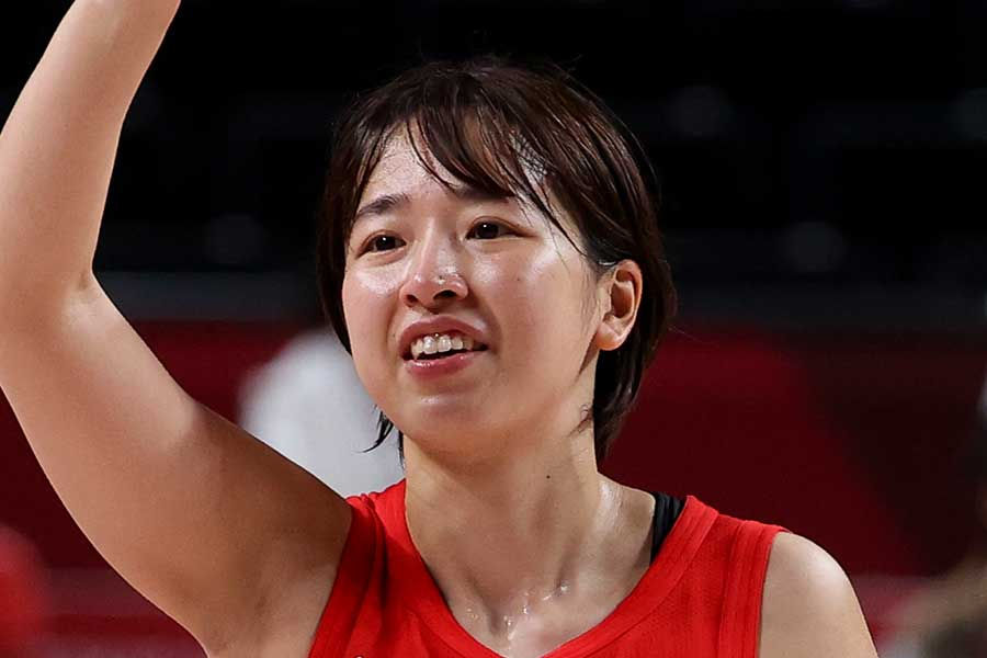 東京五輪で銀メダルを獲得した女子バスケットボール日本代表の三好南穂【写真:Getty Images】
