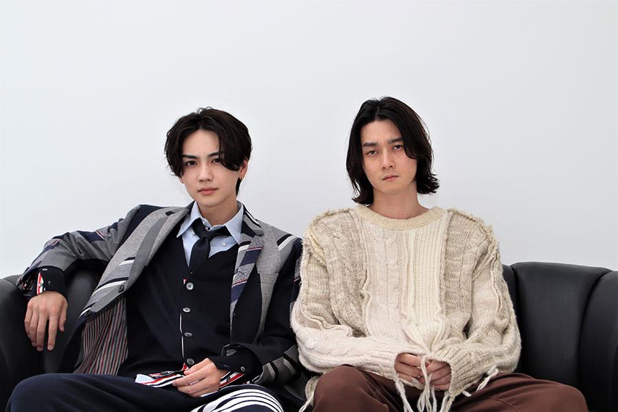 ドラマ「トーキョー製麺所」に出演する吉野北人(左)と栁俊太郎【写真:ENCOUNT編集部】