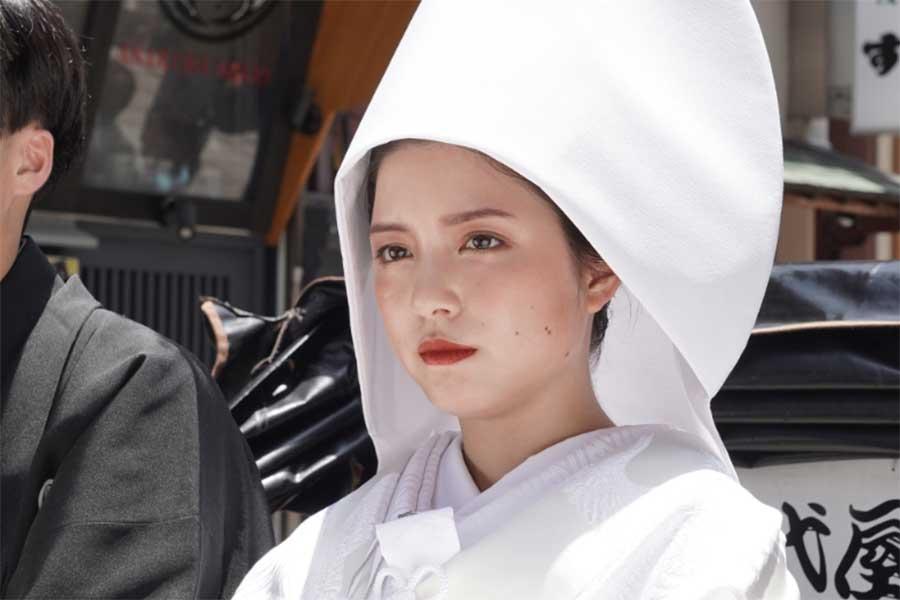 川島海荷の「白無垢姿が尊い」 「家、ついて行ってイイですか?」で披露に感動の声