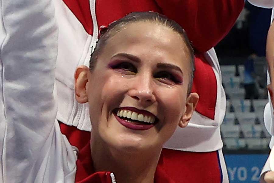 東京五輪・アーティスティックスイミングで金メダルを獲得したROCのアラ・シシキナ【写真:Getty Images】