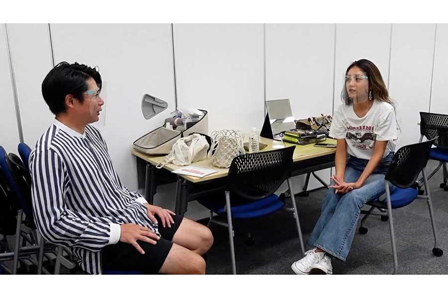 YouTubeチャンネルを開設した吉村崇(左)とみちょぱ
