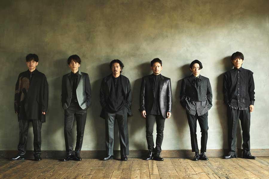V6【写真:(C)TBS】