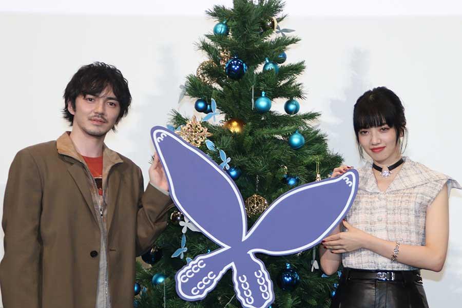 映画「恋する寄生虫」でダブル主演を務める林遣都(左)と小松菜奈【写真:ENCOUNT編集部】